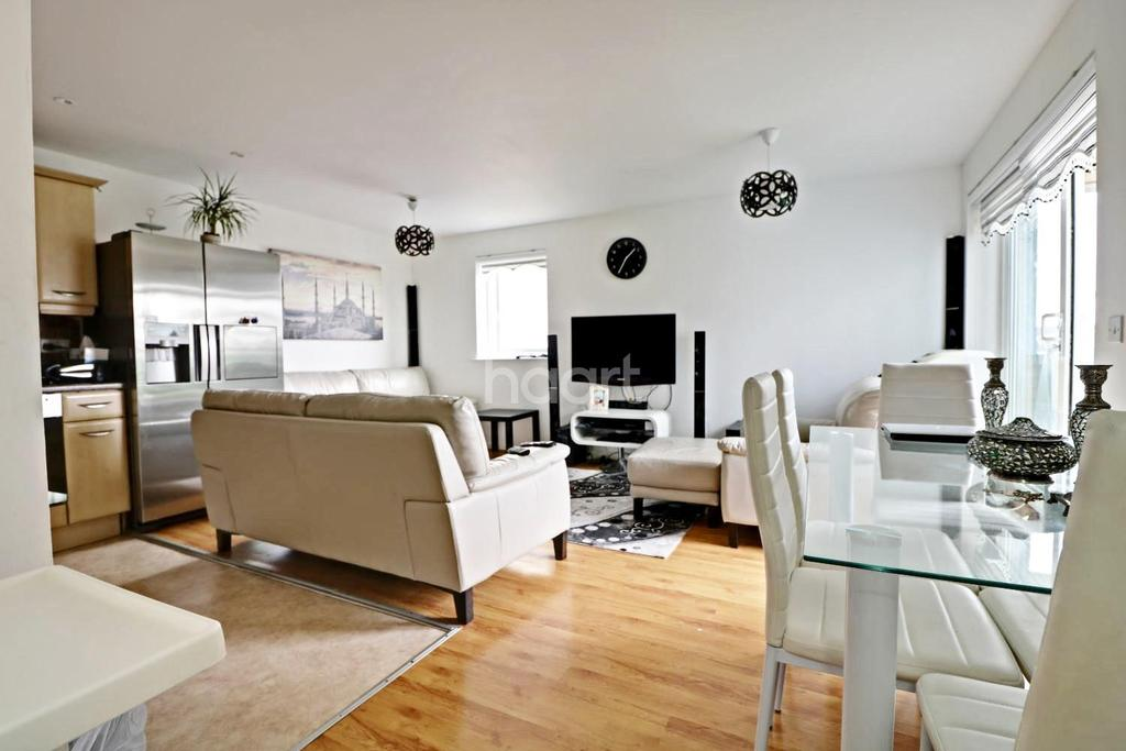2 Bedrooms Flat for sale in Wellspring Crescent, Wembley Park