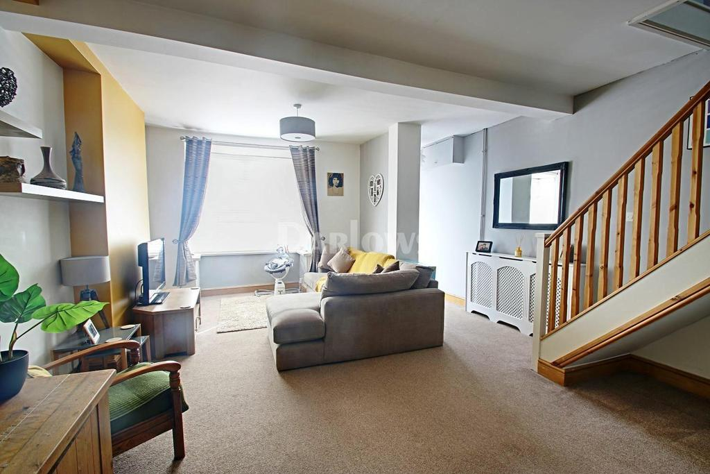 3 Bedrooms End Of Terrace House for sale in Angus Street Troedyrhiw