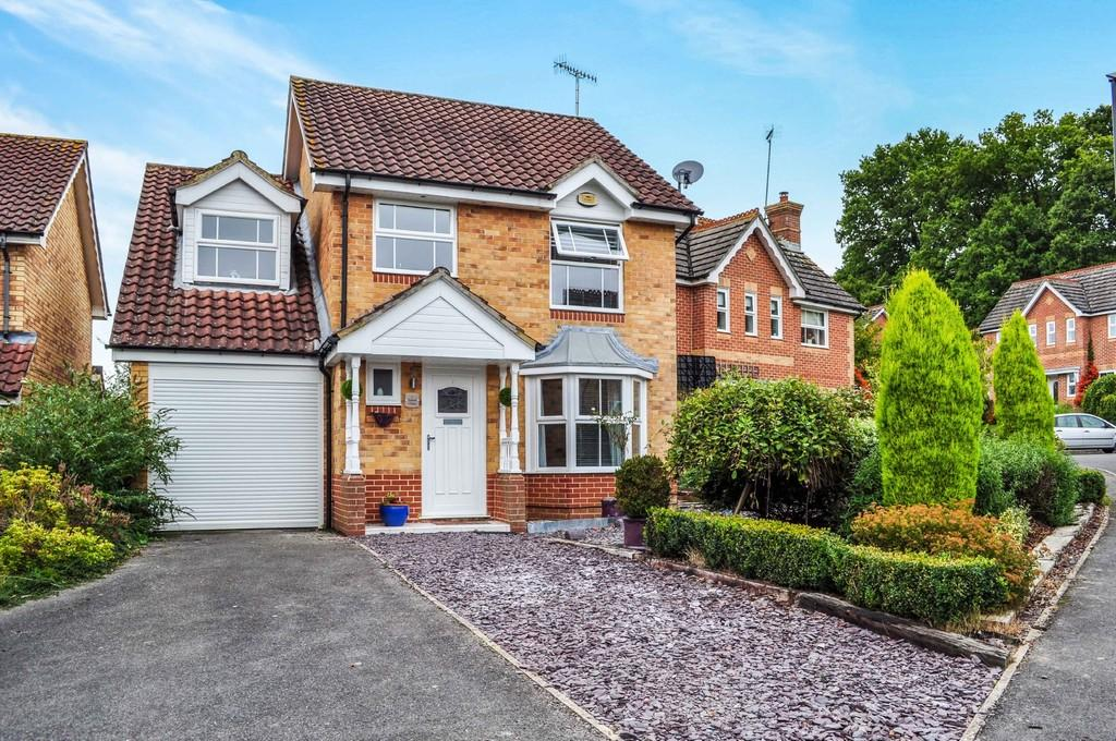 4 Bedrooms Detached House for sale in Tamar Close, Maidenbower