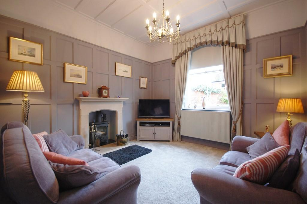 5 Bedrooms Town House for sale in Louth, Eastgate