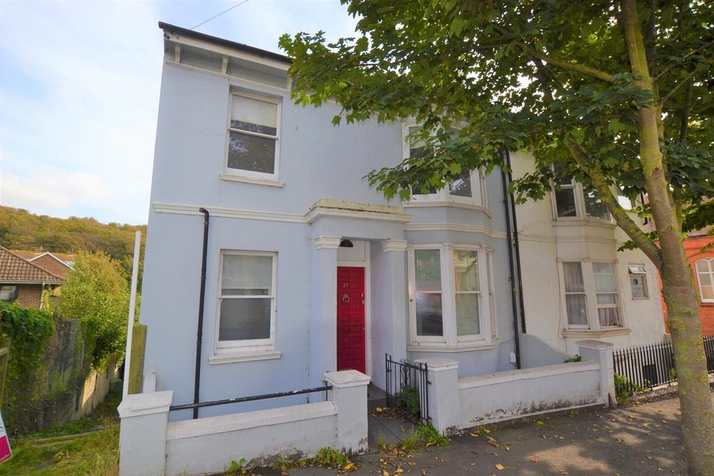 3 Bedrooms End Of Terrace House for sale in Sutherland Road, Brighton, BN2