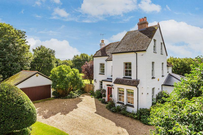 6 Bedrooms Detached House for sale in Sutton Green, Guildford