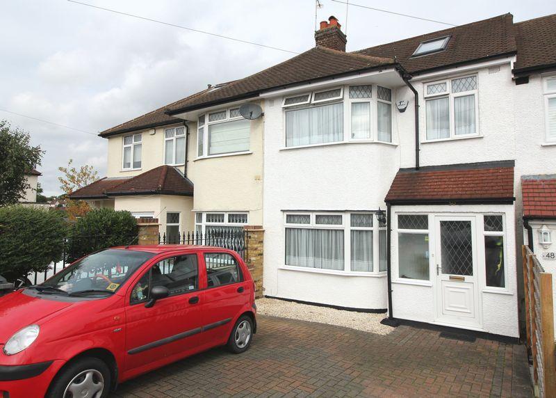 3 Bedrooms Terraced House for sale in Derwent Avenue, East Barnet