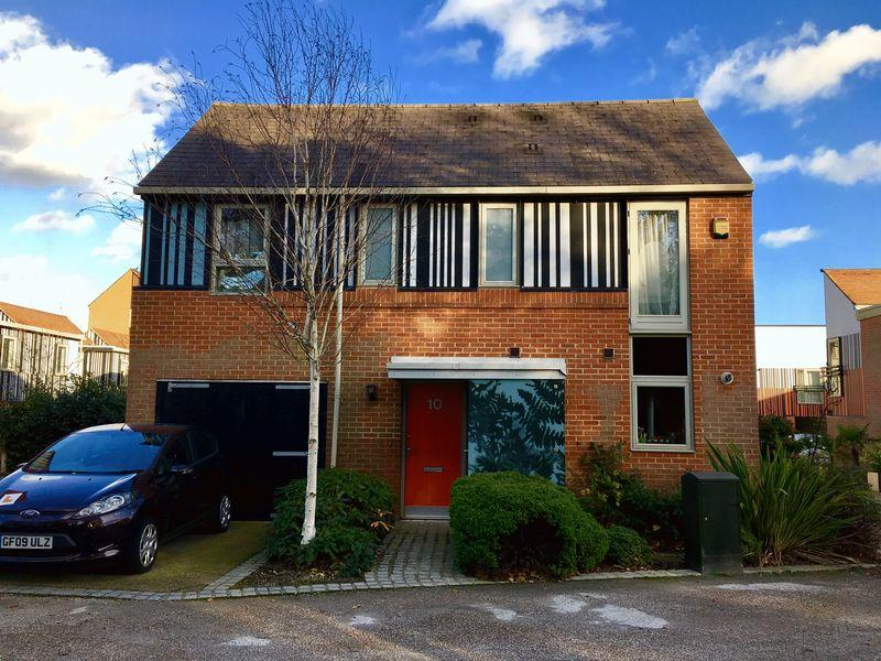4 Bedrooms Detached House for sale in Canopy Lane, Newhall