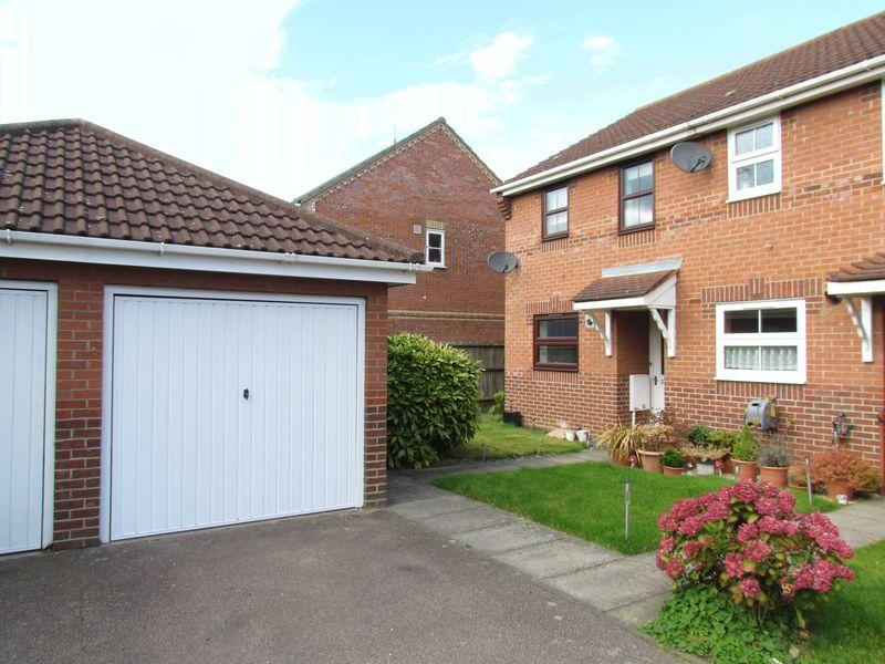 2 Bedrooms Terraced House for sale in Wensum Walk, Drayton, Norwich