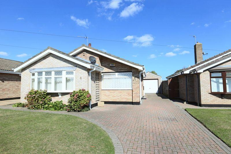 3 Bedrooms Detached Bungalow for sale in Thurne Road, Lowestoft