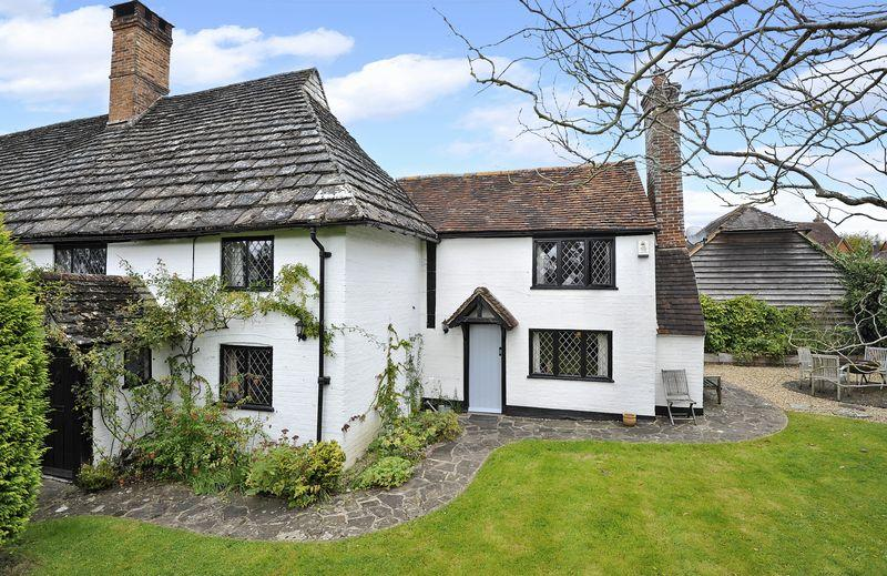 3 Bedrooms Semi Detached House for sale in Bucks Green, Rudgwick