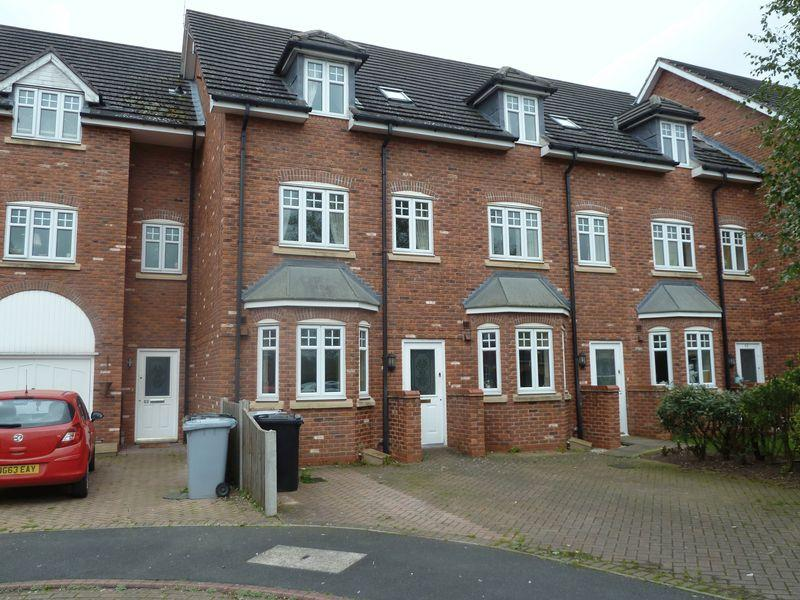 3 Bedrooms Town House for sale in Haydn Jones Drive, Stapeley, Nantwich
