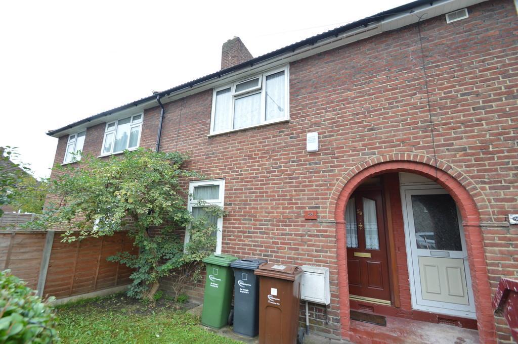 2 Bedrooms Terraced House for sale in Beverley Road, Dagenham