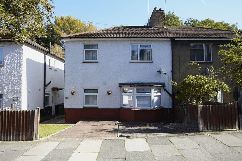 3 Bedrooms Semi Detached House for sale in Pound Park Road, Charlton