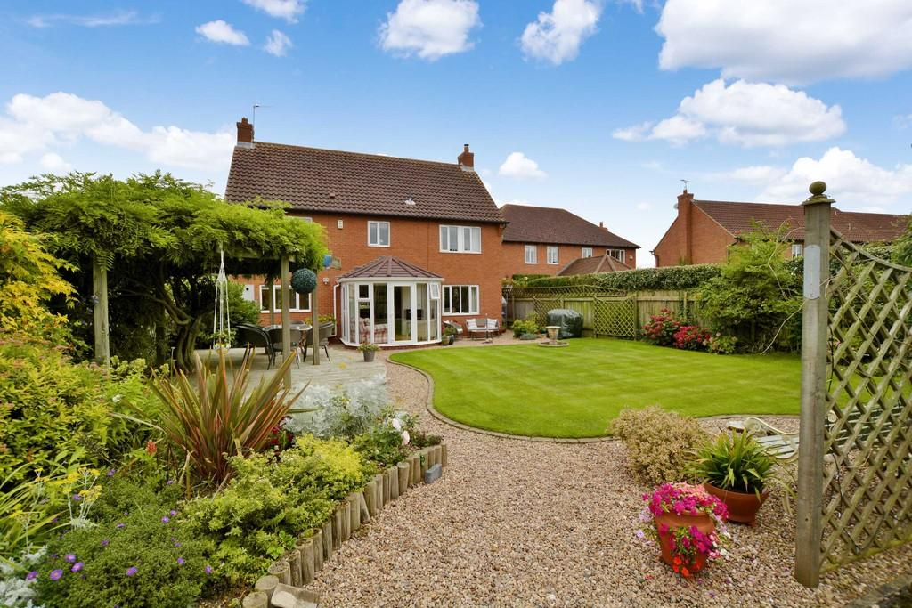 4 Bedrooms Detached House for sale in Dickinson Way, North Muskham, Newark