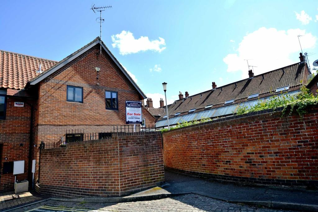 2 Bedrooms Town House for sale in Navigation Yard,