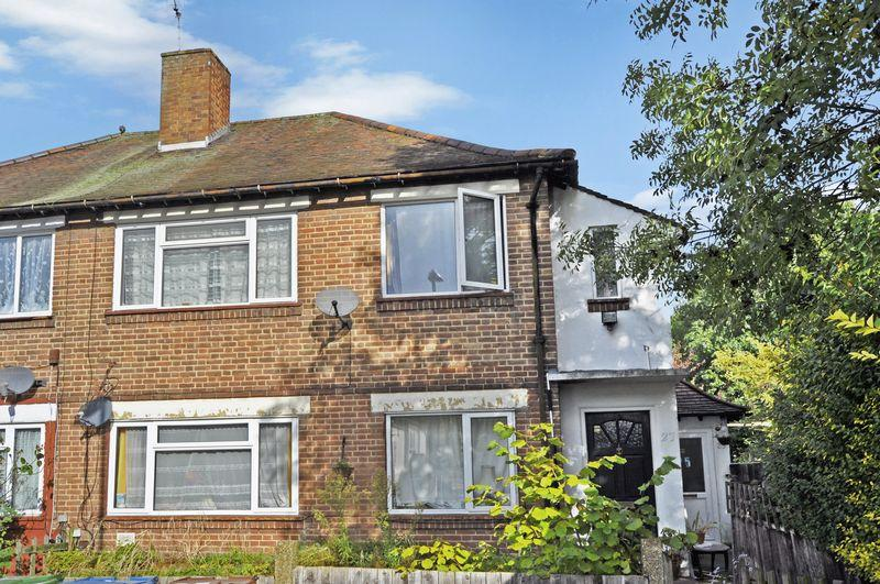 2 Bedrooms Apartment Flat for sale in Alexandra Close, South Harrow