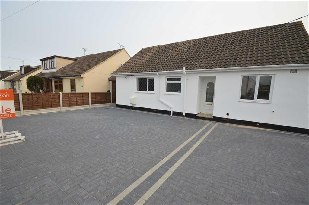 2 Bedrooms Semi Detached Bungalow for sale in Harewood Avenue, Ashigndon, Essex