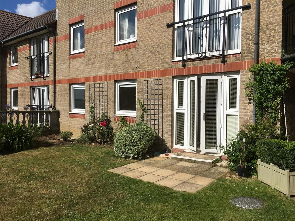2 Bedrooms Apartment Flat for sale in Egypt Esplanade, Cowes