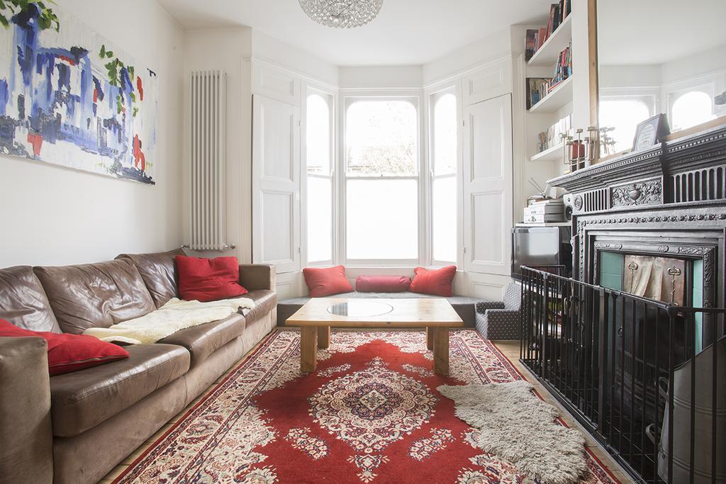 3 Bedrooms Maisonette Flat for sale in Glenarm Road, London E5