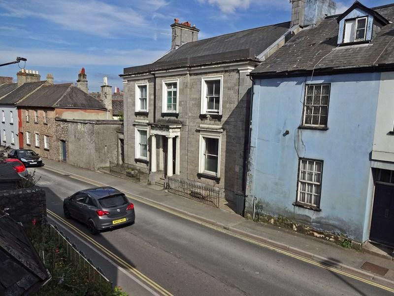 3 Bedrooms Semi Detached House for sale in Wolborough Street, Newton Abbot