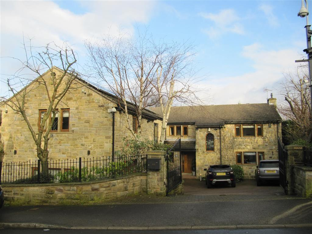 6 Bedrooms Detached House for sale in Norwood Park, Birkby, Huddersfield, HD2