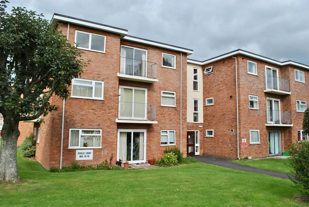 2 Bedrooms Apartment Flat for sale in Burchs Close