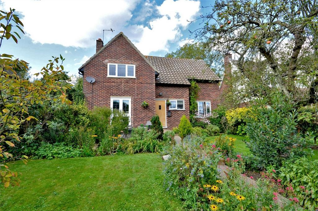 4 Bedrooms Detached House for sale in Highbank, Sages End Road, Helions Bumpstead, Nr Haverhill