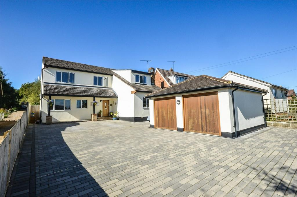 5 Bedrooms Detached House for sale in Stortford Road, Clavering, Nr Saffron Walden