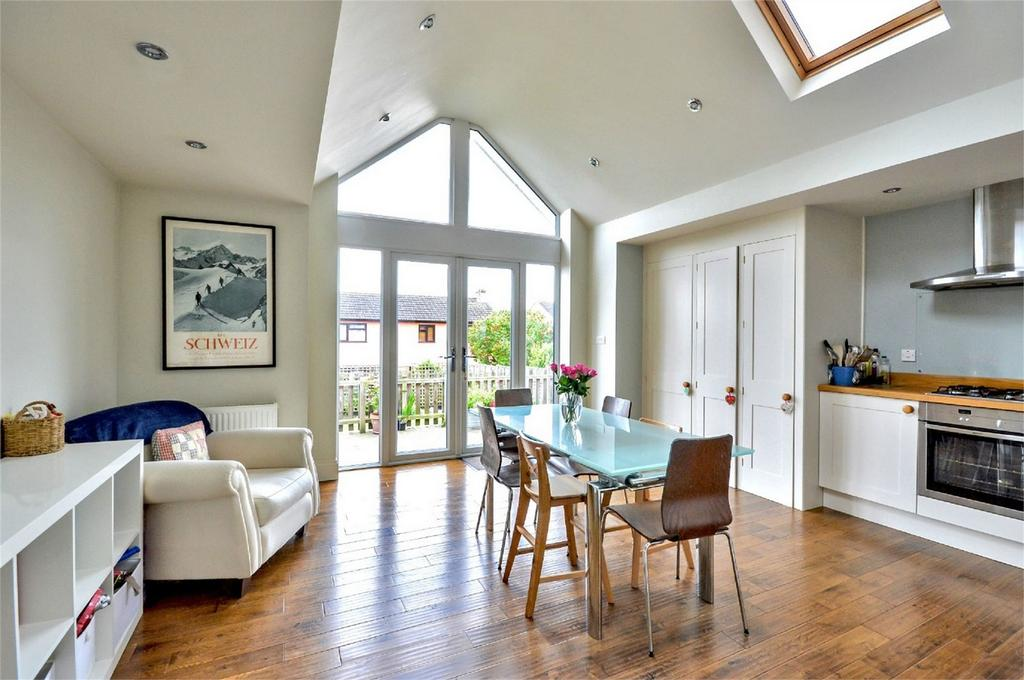 4 Bedrooms Semi Detached House for sale in 115 Ashdon Road, Saffron Walden