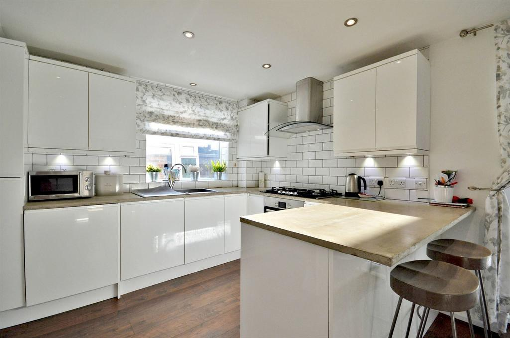 3 Bedrooms Semi Detached House for sale in 35 Cromwell Road, Saffron Walden