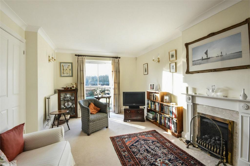 3 Bedrooms End Of Terrace House for sale in 5 Freshwell Gardens, Saffron Walden