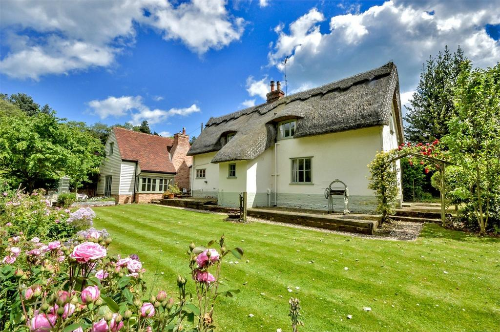 5 Bedrooms Cottage House for sale in Vine Cottage, Walthams Cross, Great Bardfield