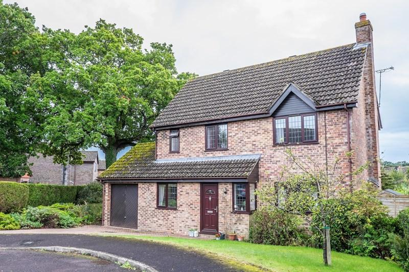 4 Bedrooms Detached House for sale in Shaw Drive, Sandford, Wareham