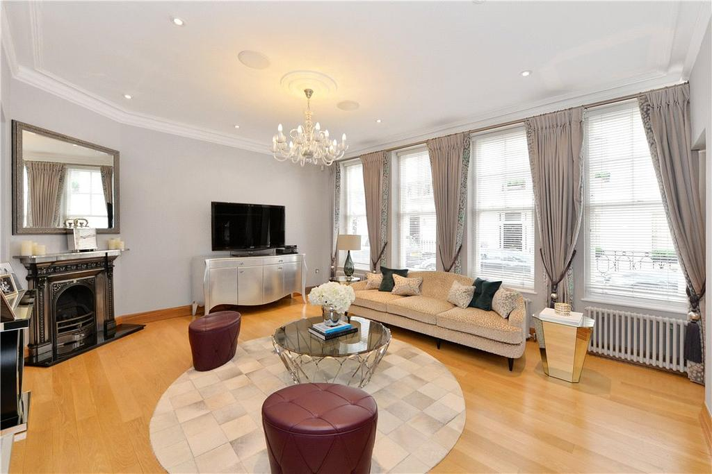 2 Bedrooms Terraced House for sale in Gerald Road, Belgravia, London, SW1W