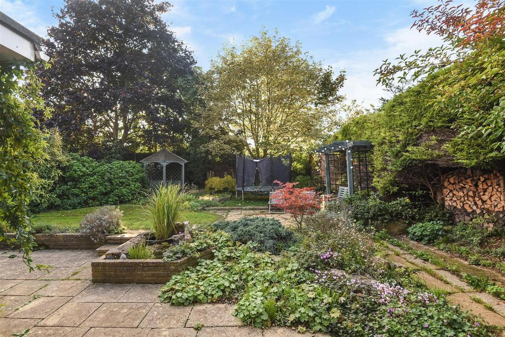 4 Bedrooms Detached House for sale in Burwell Drive, Witney