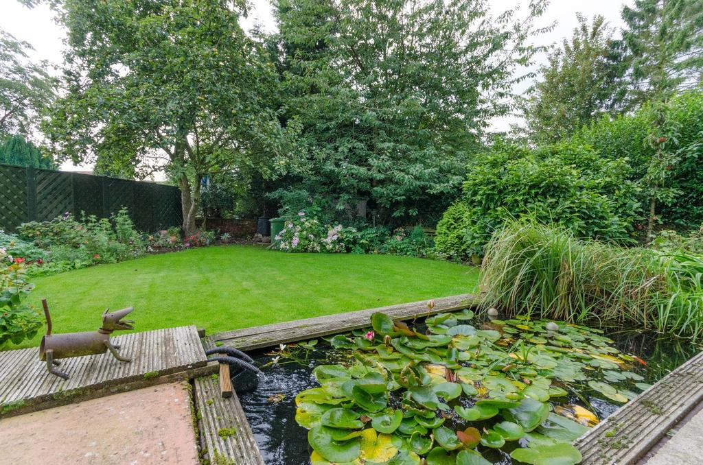 3 Bedrooms Detached Bungalow for sale in Monk Green, Alne, York
