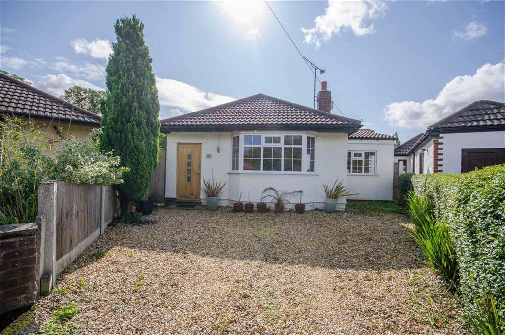 2 Bedrooms Detached Bungalow for sale in Oakfield Avenue, Upton, Chester, Chester