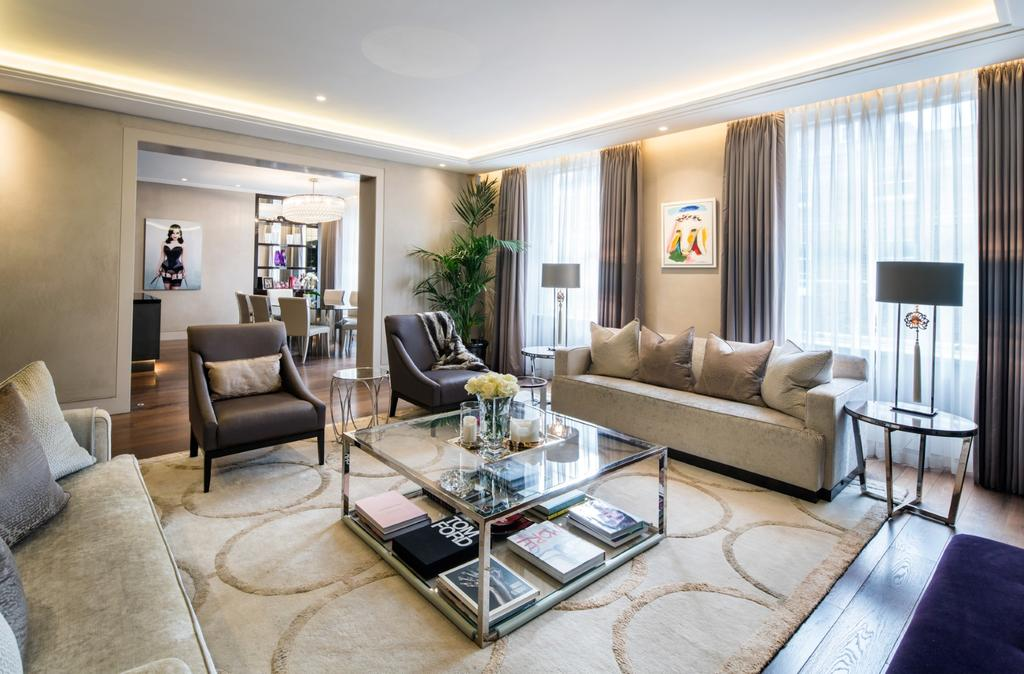 3 Bedrooms Flat for sale in New Cavendish Street, London. W1G