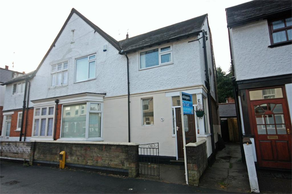 3 Bedrooms Semi Detached House for rent in Percival Road, Sherwood, Nottingham, NG5