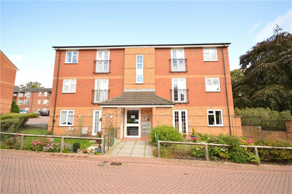 2 Bedrooms Apartment Flat for sale in Lady Park Court, Leeds, West Yorkshire