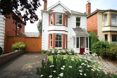 4 bedroom detached house to rent - Sydenham Road South, Cheltenham, Glos, GL52