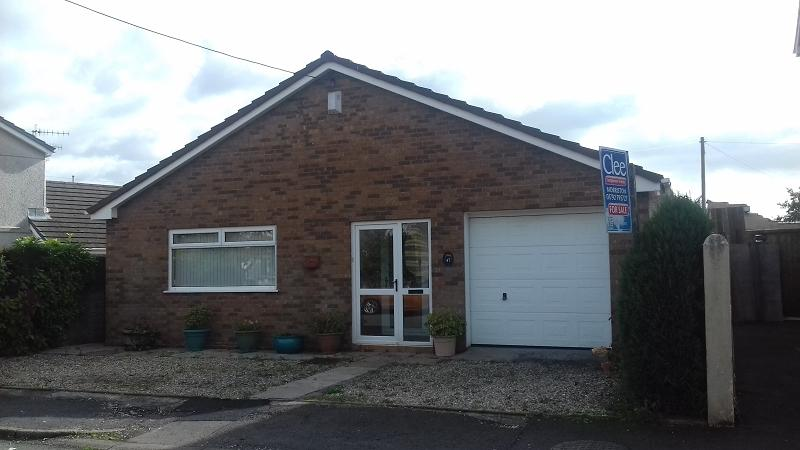 2 Bedrooms Bungalow for sale in Sybil Street, Clydach, Swansea, City County of Swansea.