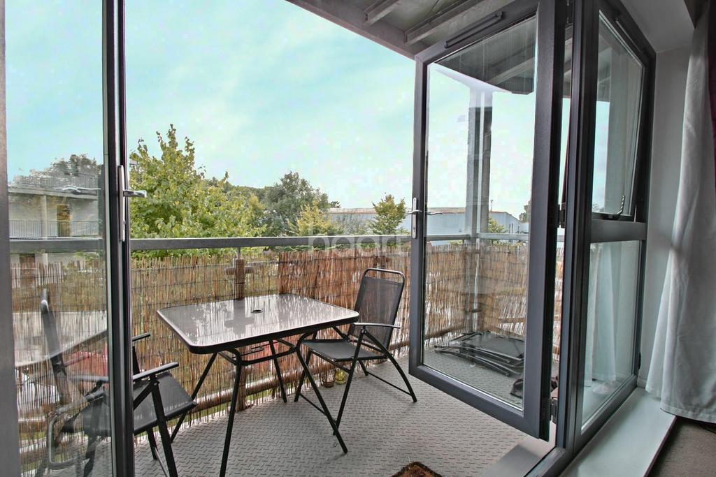 1 Bedroom Flat for sale in Boardman Place, Rollason Way