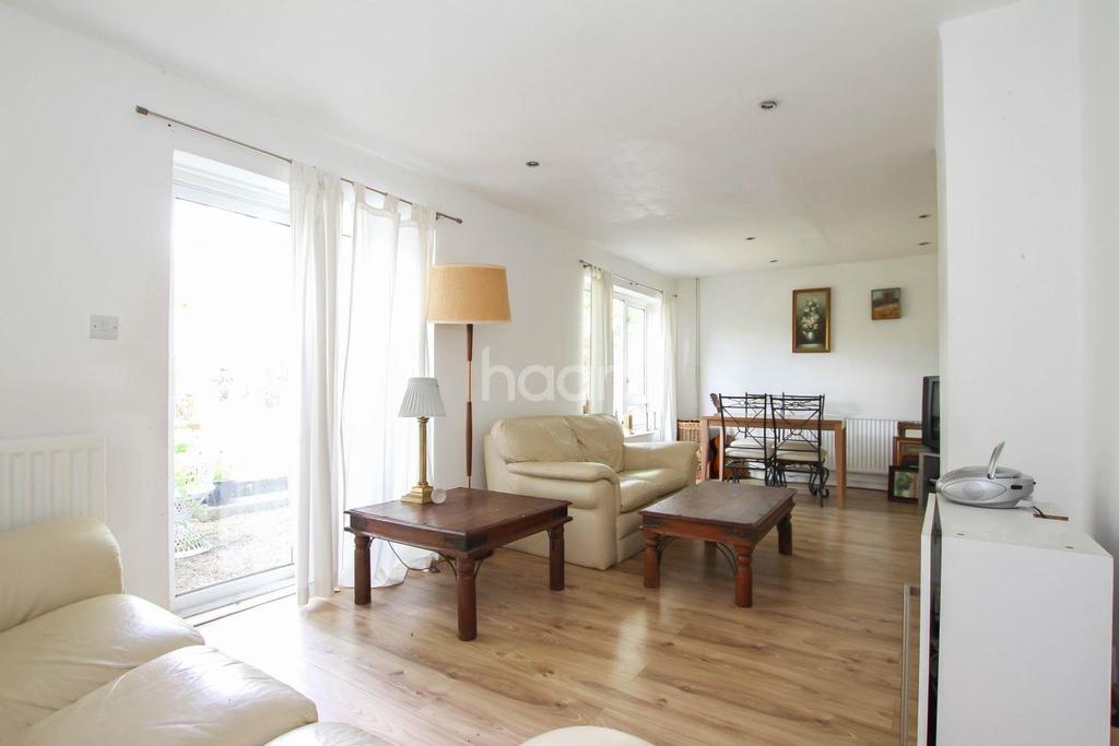 3 Bedrooms Terraced House for sale in Mandeville, Oaks Cross, Stevenage