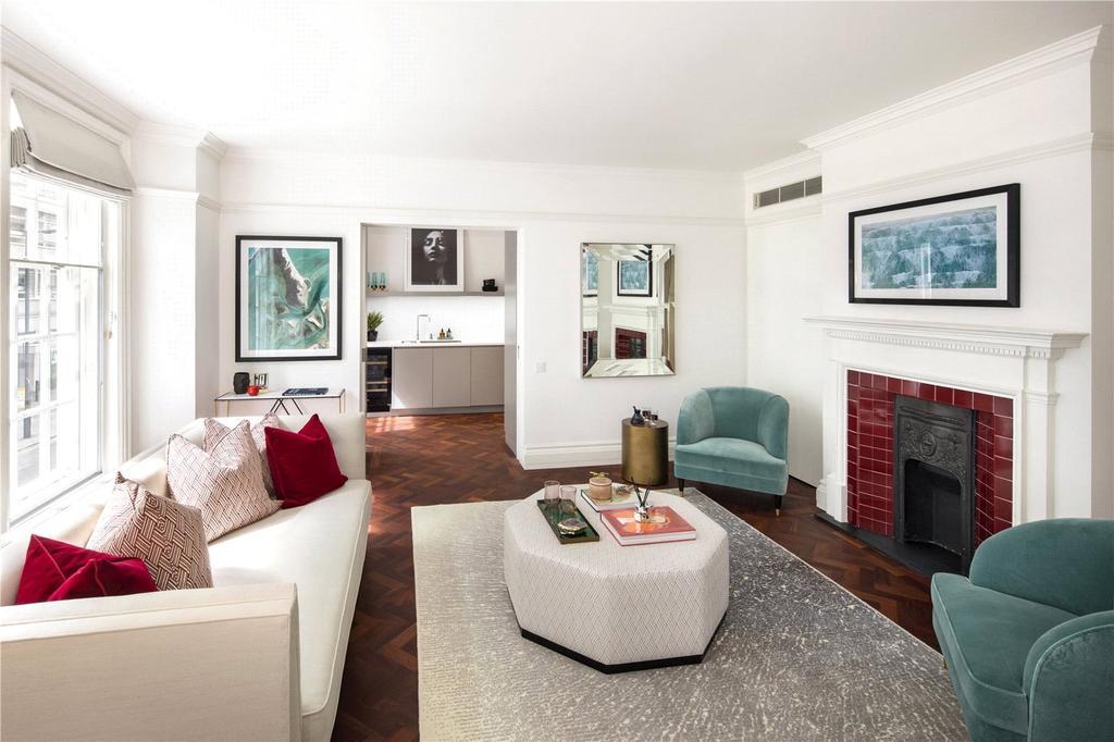 3 Bedrooms Flat for sale in Portland Riding, Great Portland Street, London, W1W