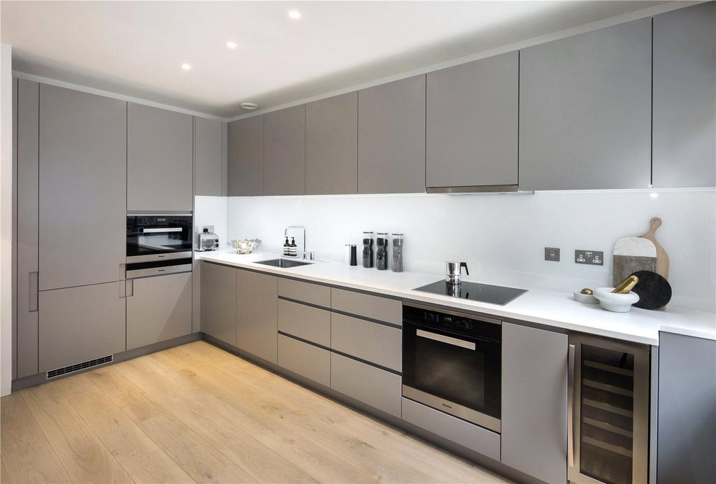 3 Bedrooms Flat for sale in Portland Riding, Great Portland Street, London, W1W