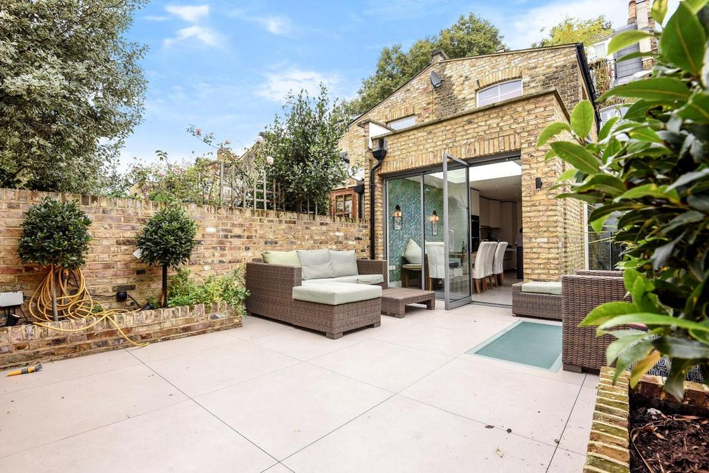 5 Bedrooms Terraced House for sale in Favart Road, Fulham