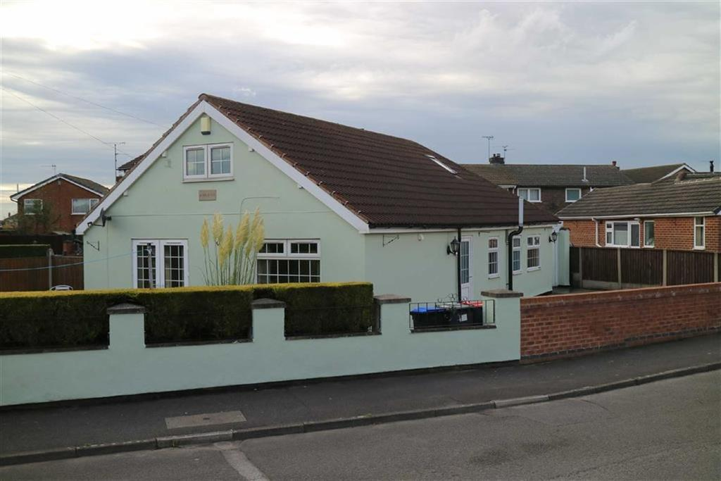 3 Bedrooms Detached Bungalow for sale in Loundhouse Road, Skegby, Notts, NG17