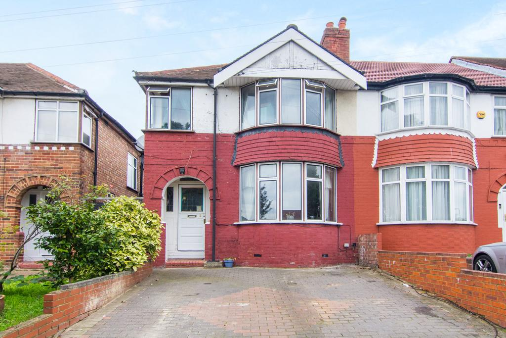 3 Bedrooms House for sale in The Fairway, Northolt