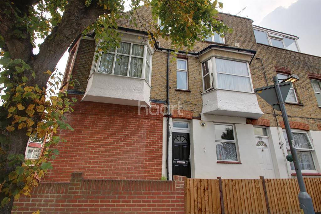 2 Bedrooms Flat for sale in Fairmead Avenue, Westcliff on Sea