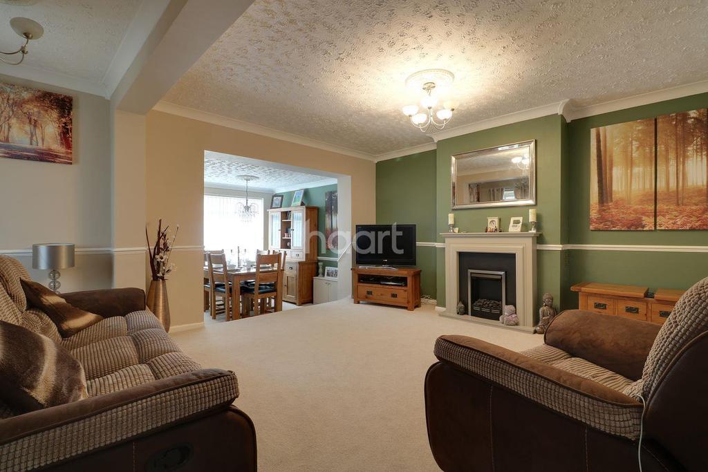 3 Bedrooms Semi Detached House for sale in Spencer Road, Benfleet