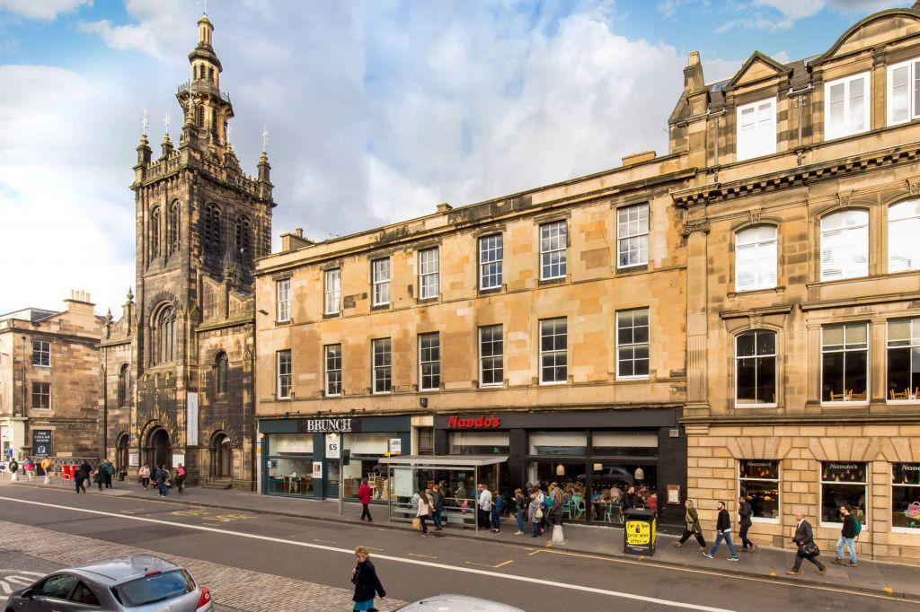 3 Bedrooms Flat for sale in 35 2F1 George IV Bridge, Edinburgh, EH1 1EN