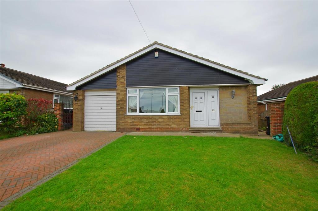 3 Bedrooms Detached Bungalow for sale in Lyndhurst Avenue, Brighouse